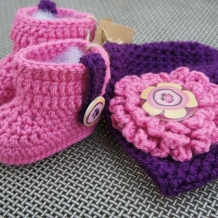 Pink/purple hat and boots  SOLD