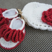 Red and white hat/booties SOLD